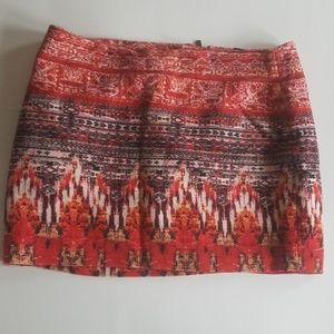 5/$25 H&M skirt red pattern size 10